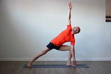 Yoga Uppsala student